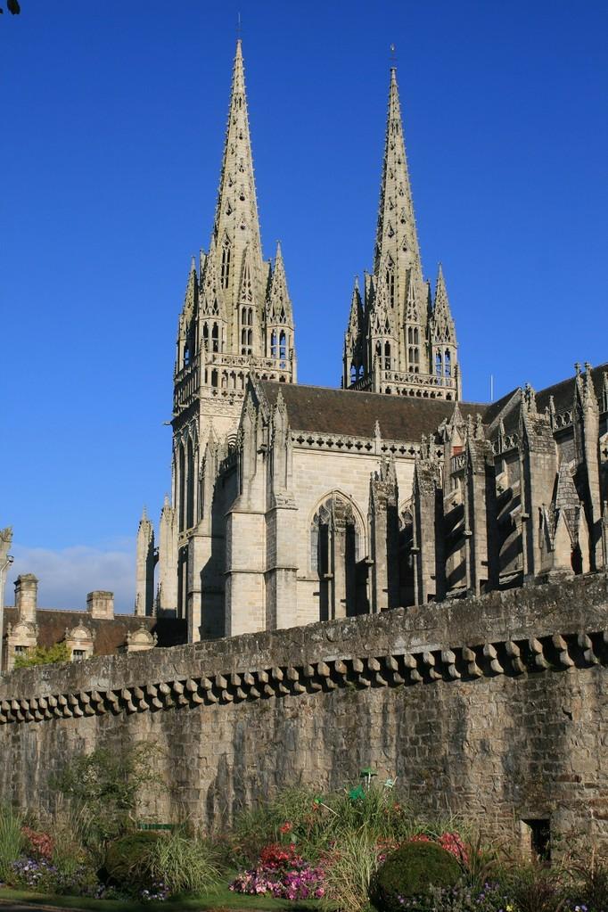 Quimper, the Saint-Corentin cathedral ©moulindebeuzidou