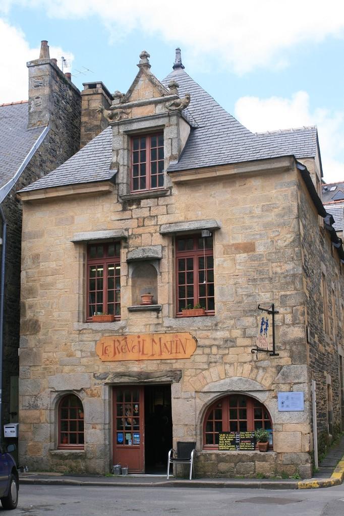 The Réveil Matin, the oldest pub in Landerneau©moulindebeuzidou