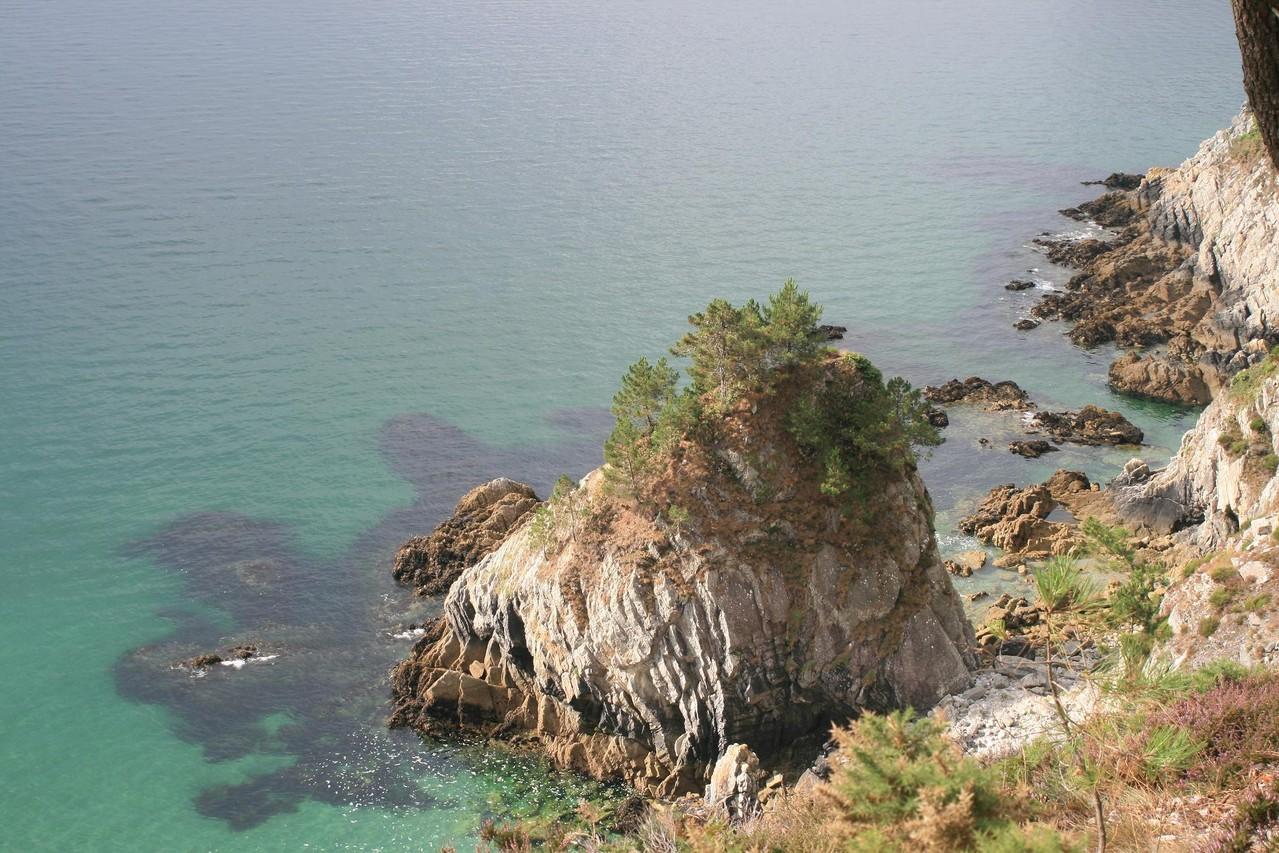 Presqu'île de Crozon, l'île Vierge sur le cap de la Chèvre©moulindebeuzidou