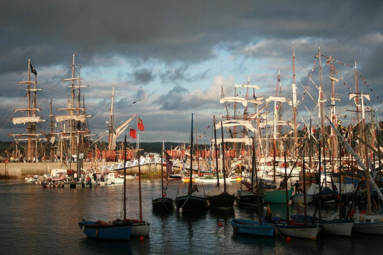 Gathering of tall ships in Douarnenez ©moulindebeuzidou