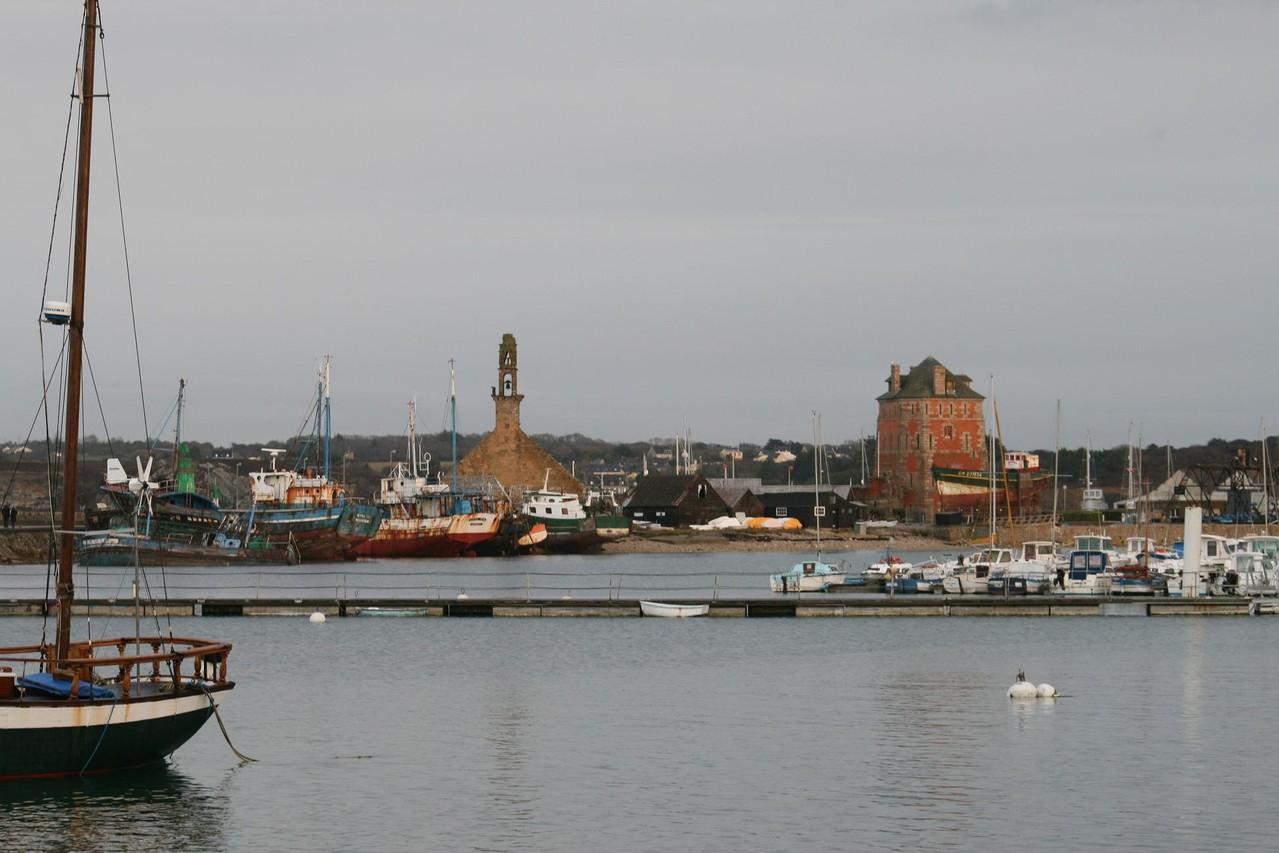 Presqu'île de Crozon, le port de Camaret©moulindebeuzidou