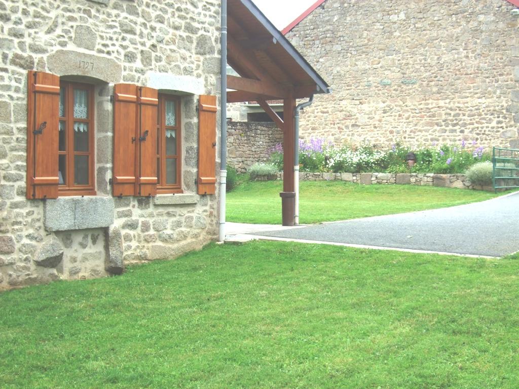 Je suis une maison familiale situé dans un petit village.