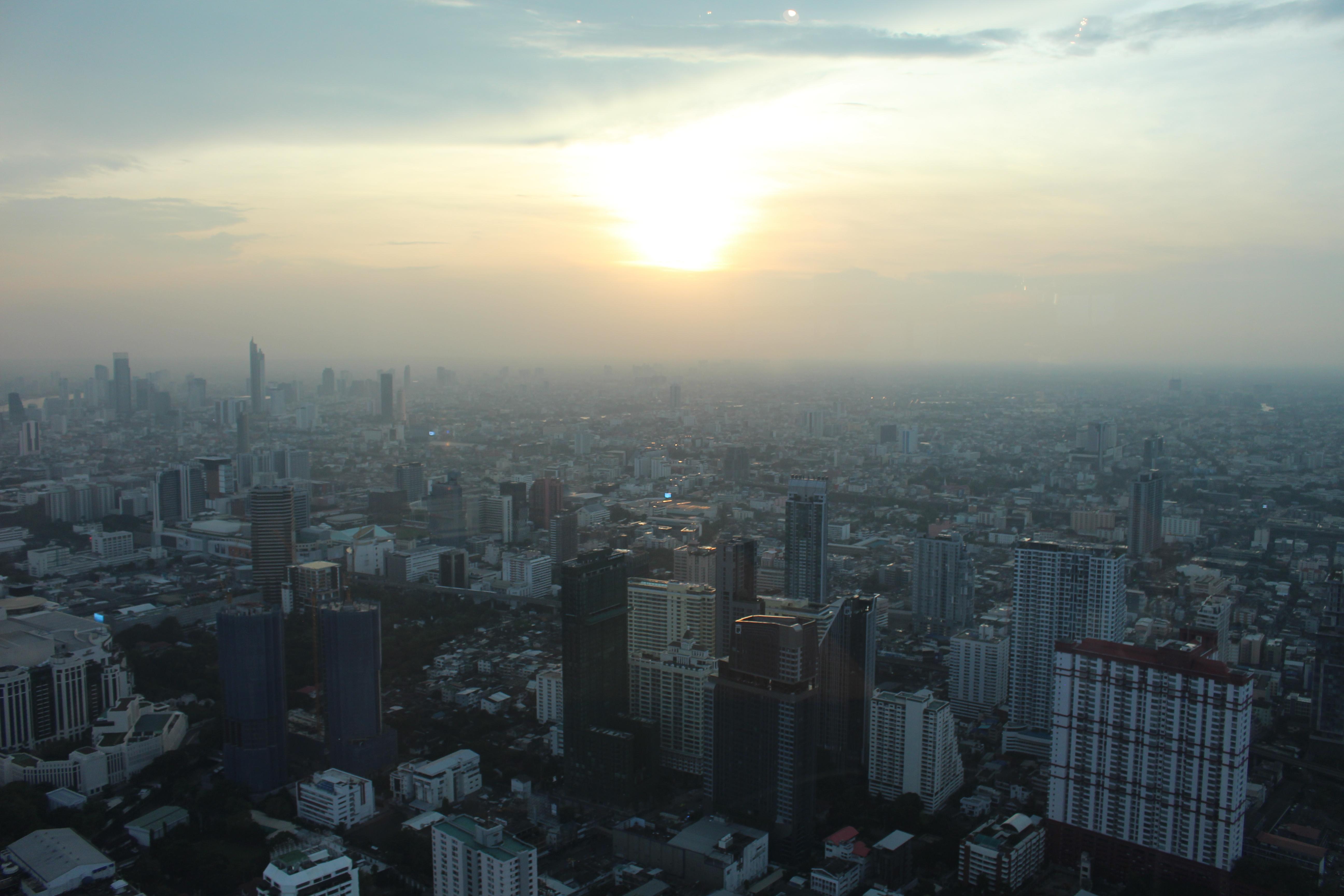 Vue sur Bangkok depuis la Baiyoke Tower II.