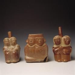 結合双生児が描かれたペルーのモチェ文化の陶器。紀元300年頃。ペルーのラルコ博物館に所蔵されている。