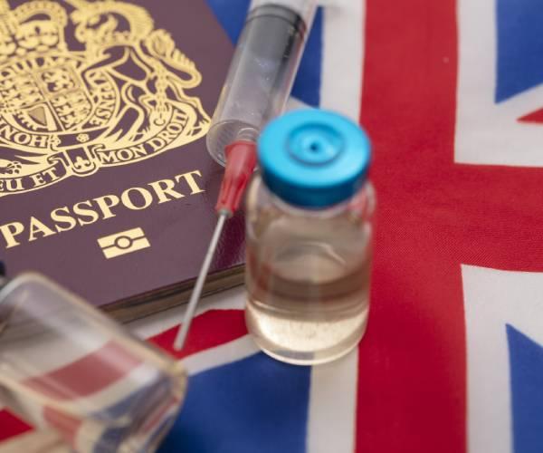 英国、ワクチンパスポート計画停止「自由と民主主義を守る」