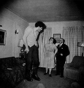 アーバス撮影ユダヤ人巨人エディ・カルメルの写真