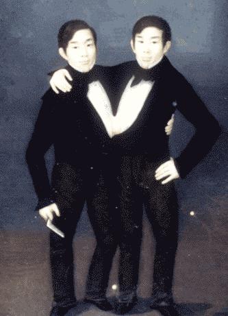 長年サーカスで活躍したチャン&エン・ブンカー兄弟。