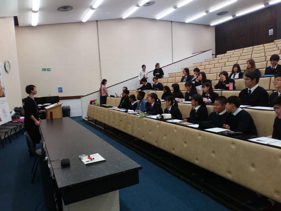 帝京ロンドン高校にて講演(2018年11月イギリス)