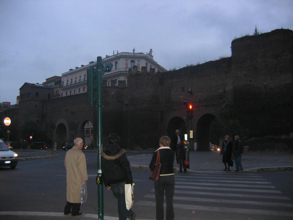 Стена Аврелиана 3 в.
