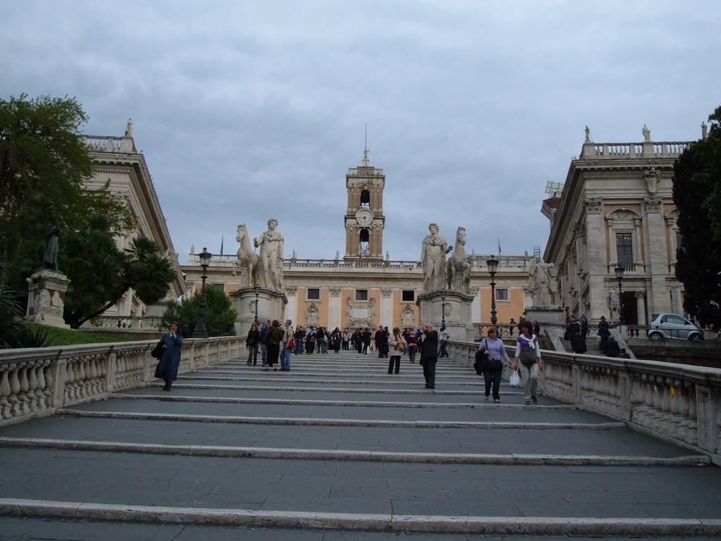 Лестница, спроектированная Микеланджело