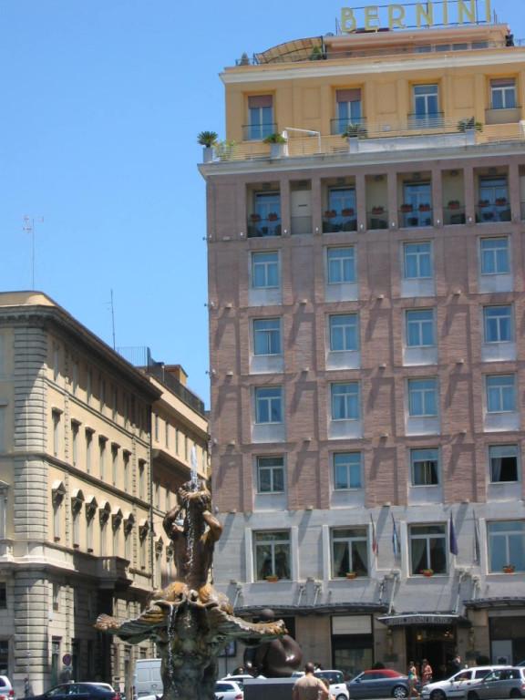 Отель Бернини на площади Барберини