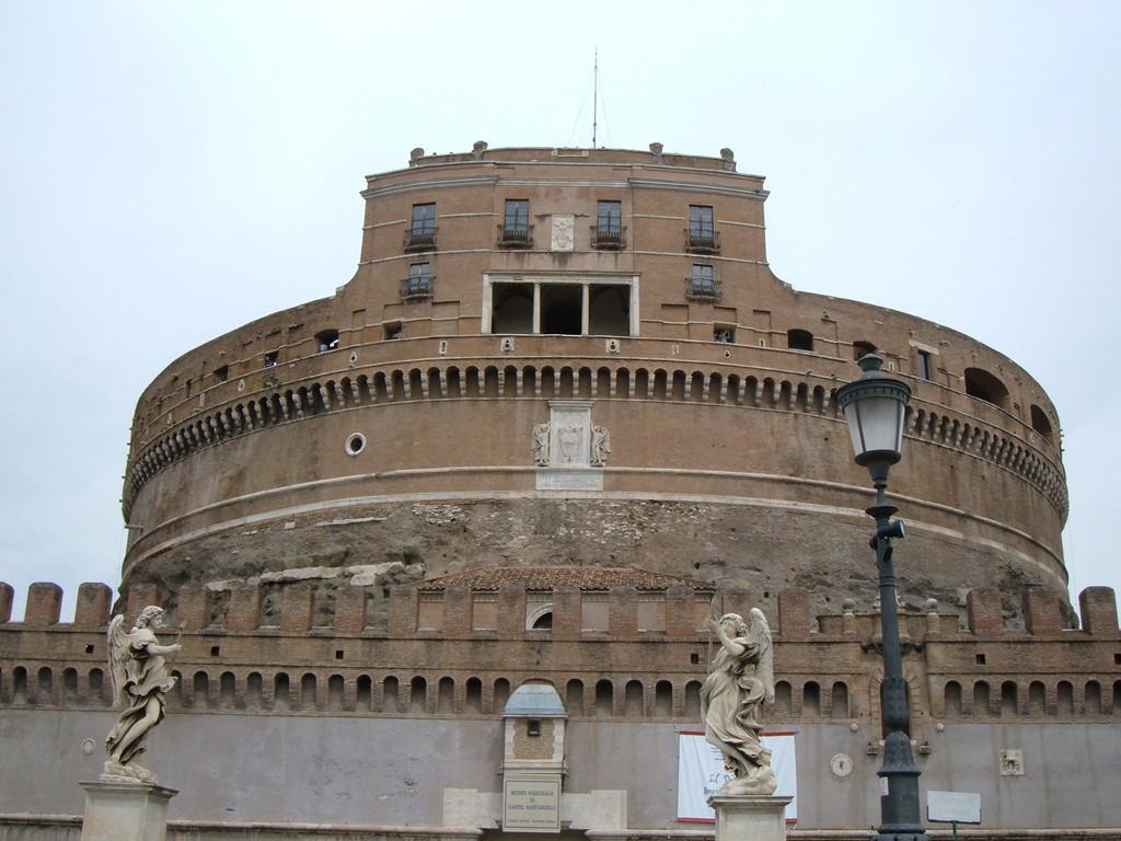 Замок св. Ангела - мавзолей императора Адриана