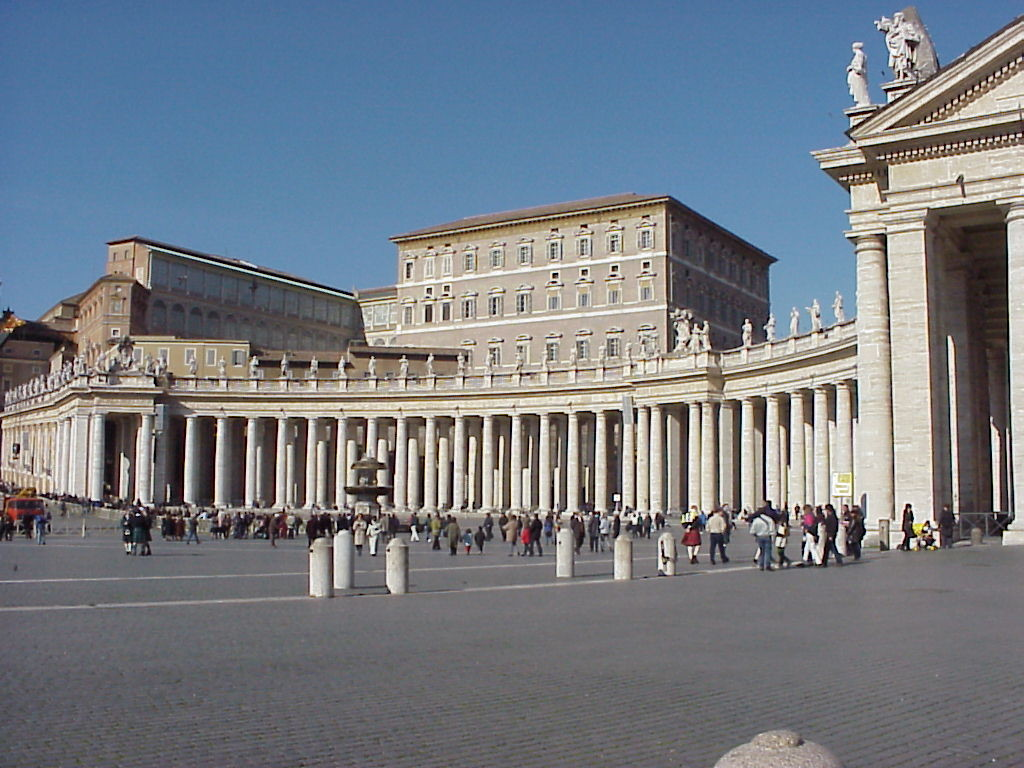 Площадь Св. Петра в Ватикане