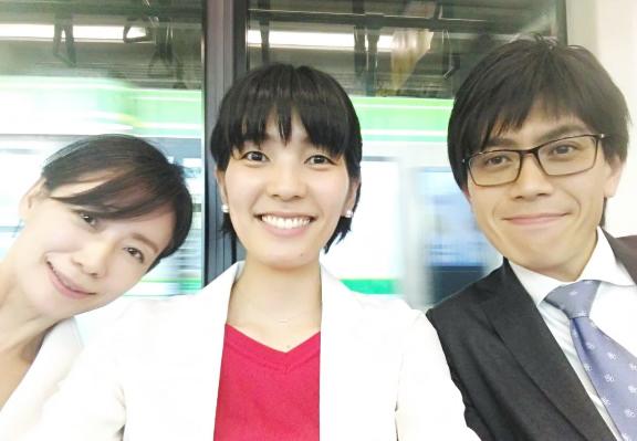 左から、片岡正美・澤田真由美・小川圭