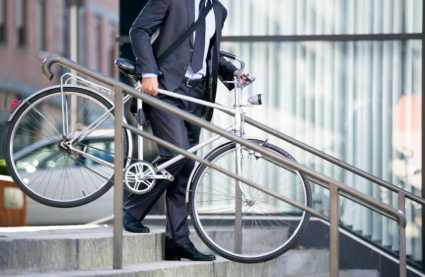 Costume pour aller au travail à vélo