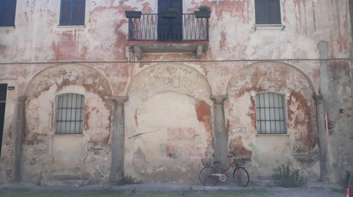 cour intérieure come italie