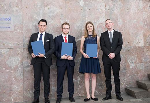 Die Gewinner des IFK Förderpreises gemeinsam mit Professor Dr. Nils Stieglitz