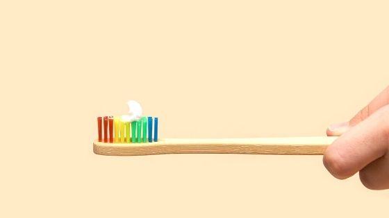 Gesunde, natürliche & plastikfreie Zahnpflege