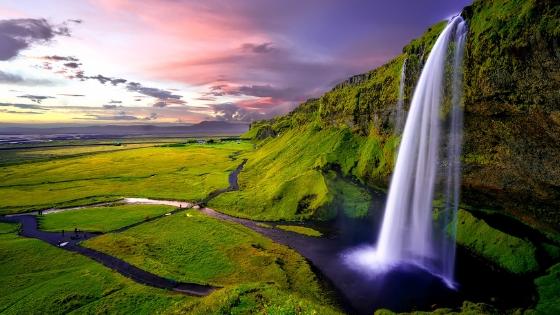 Foto von einem grandiosen Wasserfall