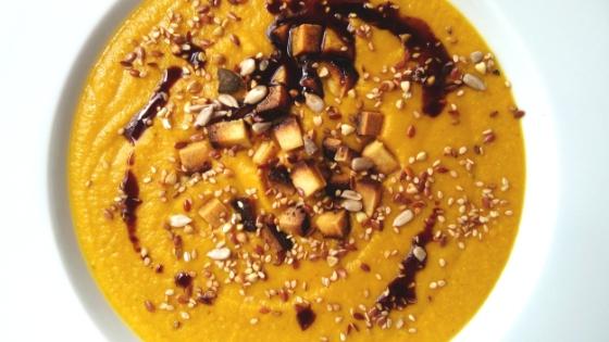 Teller Karottensuppe
