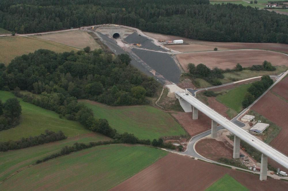 Bau- und Infrastrukturvorhaben - wie viel Zerschneidung und Flächenverbrauch verträgt unsere Natur noch? Foto: Stephan Neumann