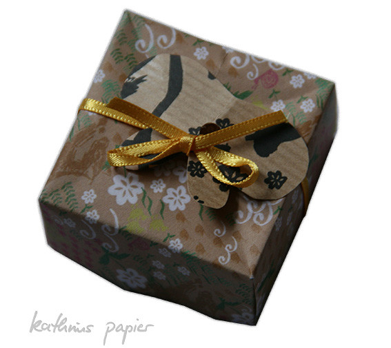 Kathrins Papier Geschenkpapier Kästchen