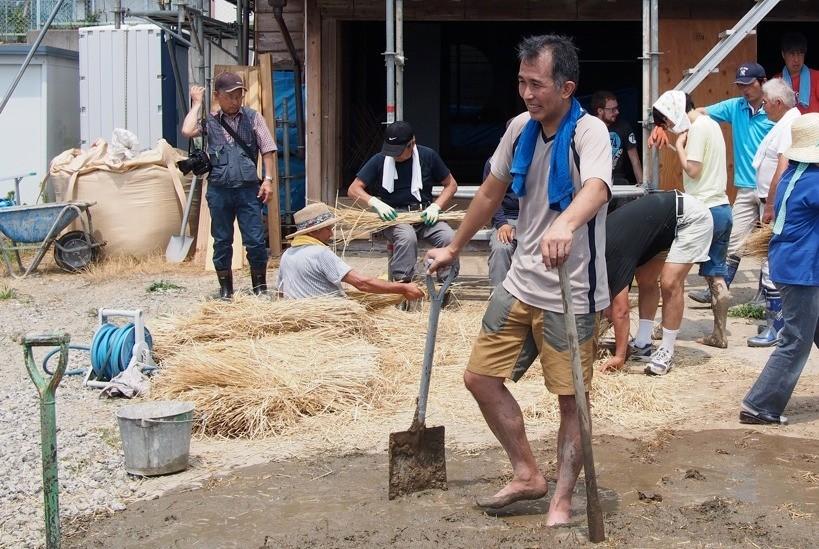 中之作プロジェクト代表の豊田善幸。率先して泥にまみれる。
