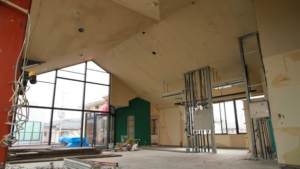 4月のオープンに向けて、現在内装工事中。