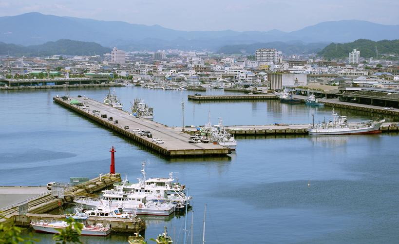 震災前の小名浜港全景。福島県で最大の漁港であり工業港。