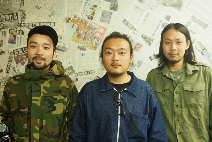 川西遼平(中)、福田匡佑(右)、川西悠太(左)。1ヶ月UDOK.に寝泊まりして制作にあたることになる。