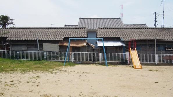 周囲に古い住宅の多い東芳川公園は、公園そのものも味わい深く見えるから不思議だ。