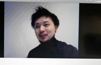 西丸へのインタビューはSkypeで行った。