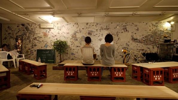 2011年6月には新聞コラージュ「弔いの壁」が完成していた。