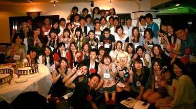 あづまっぺ会。福島出身者が大勢集まり、語り合う。
