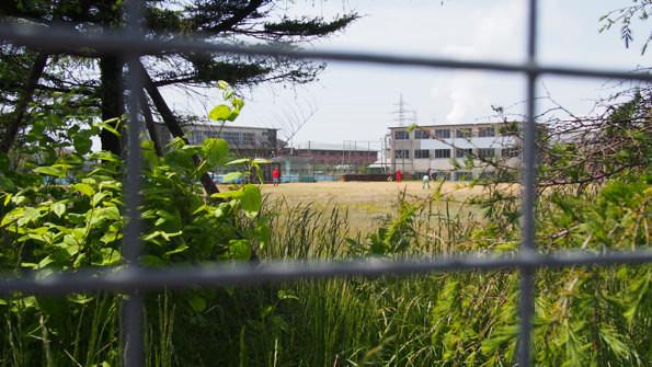小名浜製錬所グランドでは、草野球が行われていた。日常の風景。