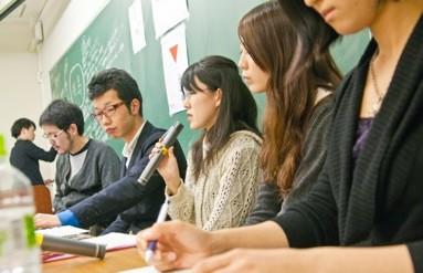 福島出身の学生たちも思いの丈を語った。