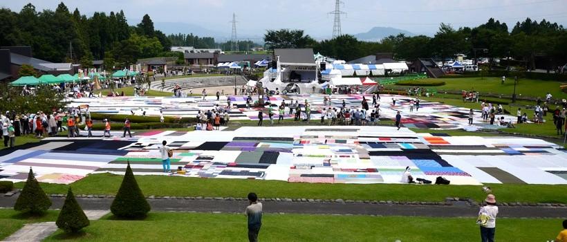 「福島大風呂敷」では、大地を風呂敷の大きさに細分化することで、多くの参加者を得ることに成功した。