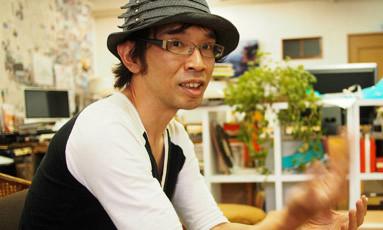 小名浜のUDOK.にてカジタにインタビューを行った。