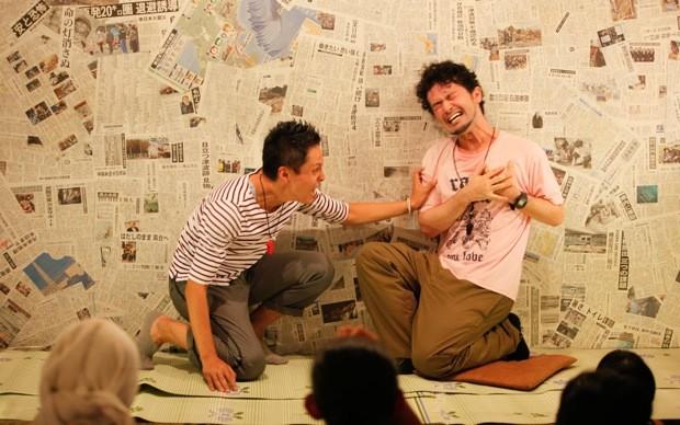 即興劇は、個と個のぶつかり合い。しかし、誰かのボケや台詞を拾うきめ細やかさも求められる。