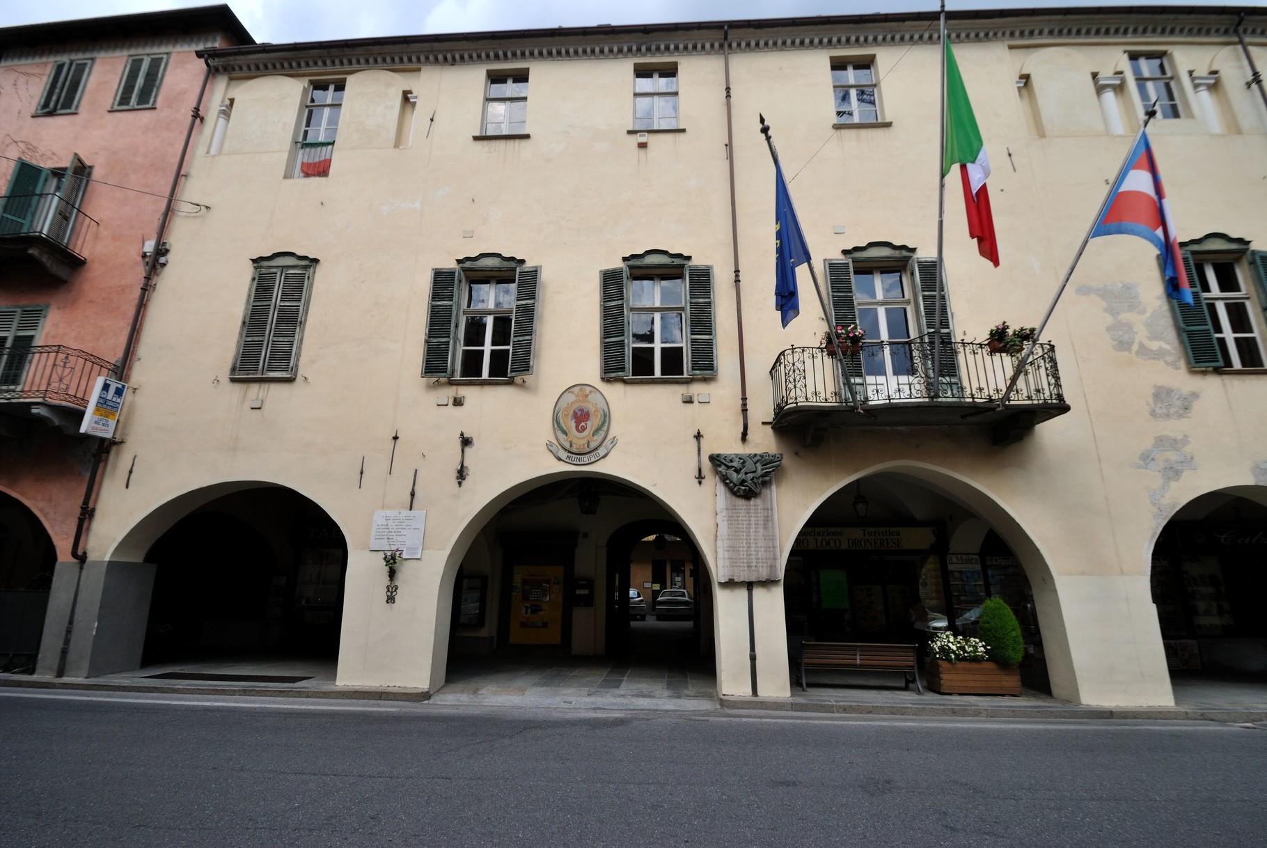 Palazzo Comunale Città di Dronero