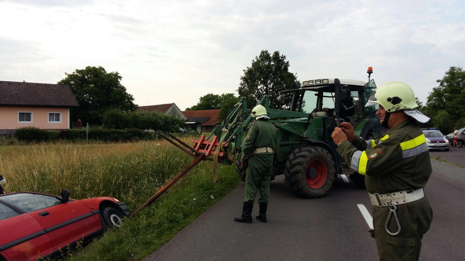 Autounfall in Goritz bei Bad Radkersburg, FF Goritz, Austria