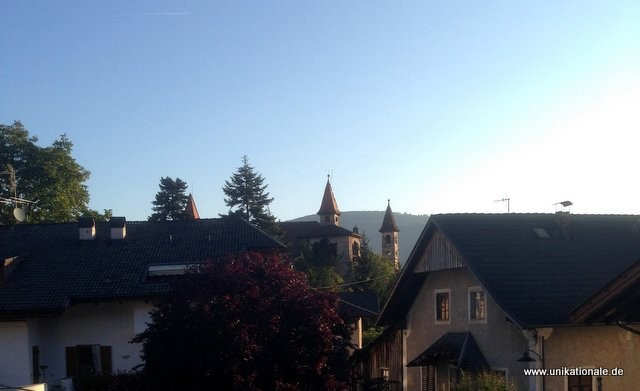 Schöne Aussicht aus dem Probenraum: Prissian/Südtirol frühmorgens
