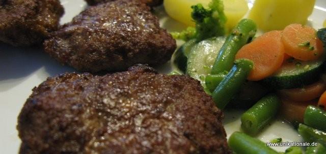 Saftige Fleischpflanzerl - Rezept