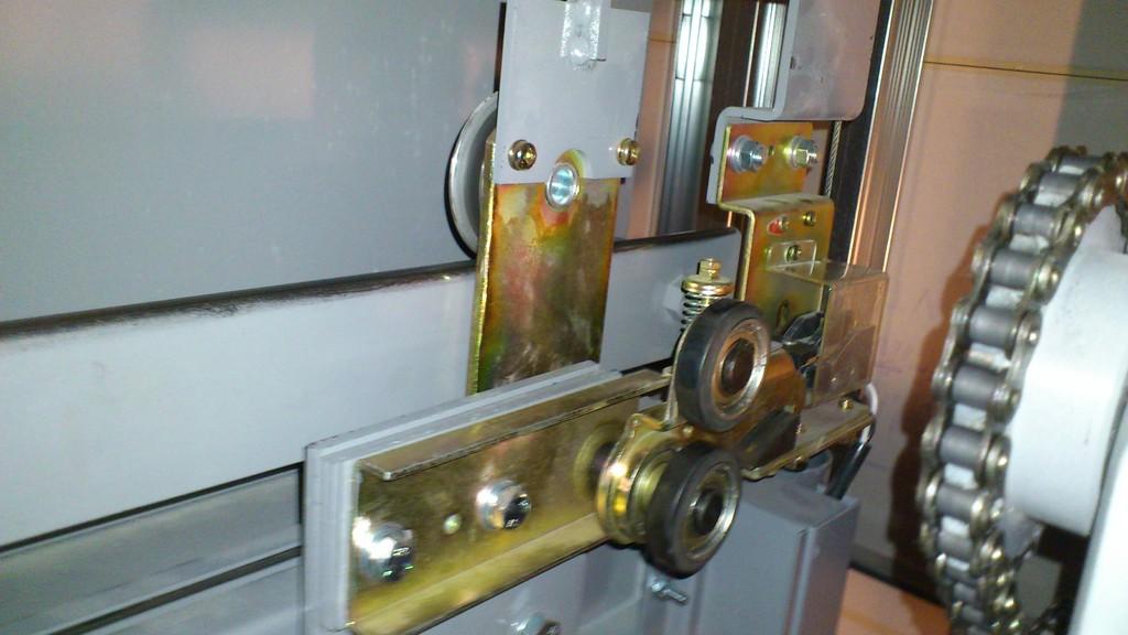 ガイドシュー、ドアモーターのチェック