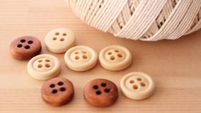 糸とボタン