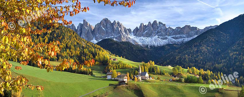 St.Magdalena im Villnößtal gegen die Geislergruppe, Südtirol