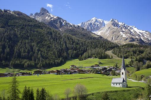 Filialkirche St. Georg in Kals am Großglockner gegen Großdorf, Nationalpark Hohe Tauern, Osttirol