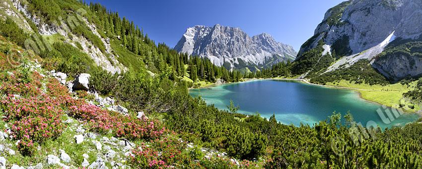 Frühling am Seebensee in den Mieminger Alpen gegen die Zugspitze (Wetterstein) Tirol