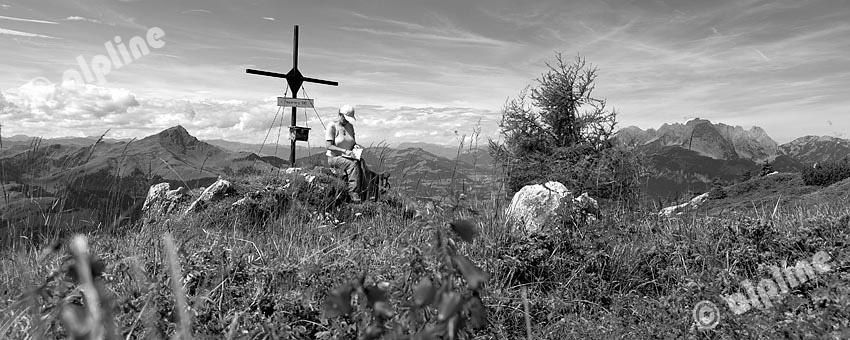 Region Pillerseetal: Am Wallerberg bei Fieberbrunn gegen Kitzbüheler Horn und Wilden Kaiser, Tirol