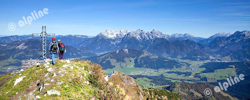 Auf der Henne, Wildseeloder in den Kitzbüheler Alpen gegen Loferer Steinberge, Tirol